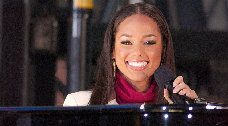 Female musician Alicia Keys