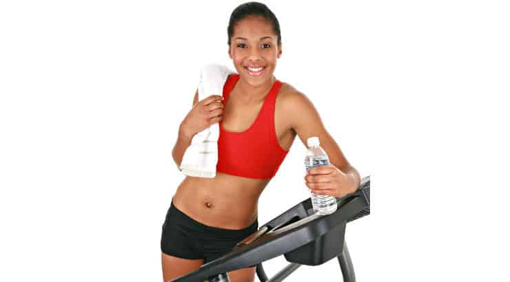 Black woman at the gym to improve her physique