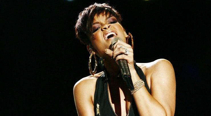 How to sing like Rihanna