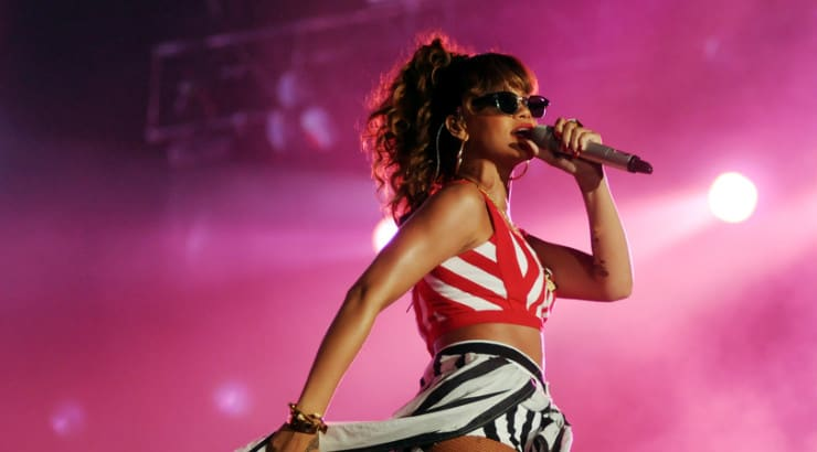How To Sing Like Rihanna In 5 Steps For Beginners