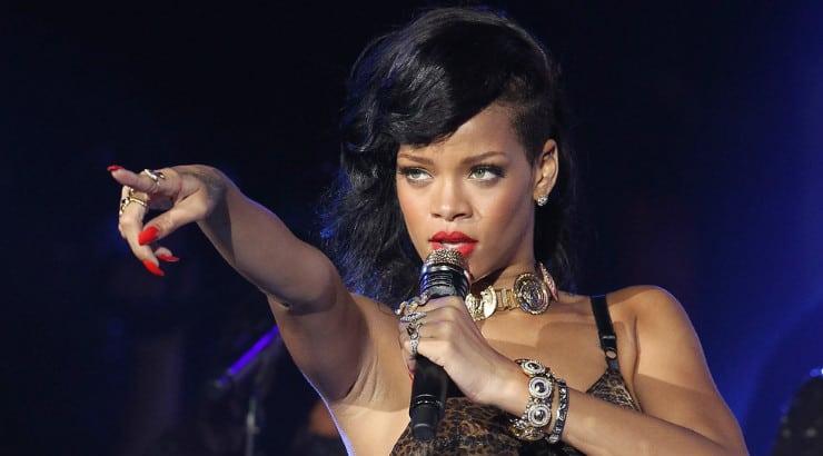 Rihanna singing and dancing tips