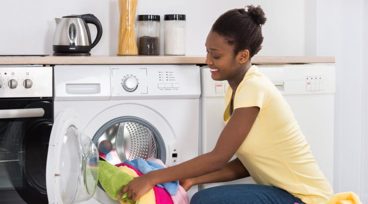 A Single Black Woman Proves Herself to be a Proverbs 31 Woman by Doing Laundry