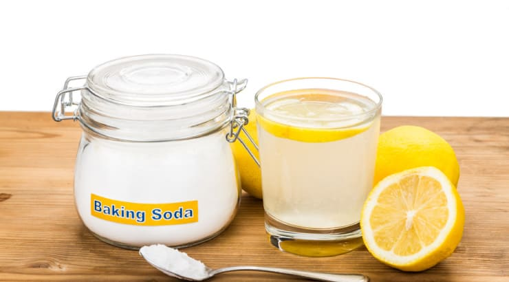 Use Baking Soda, Dishwashing Soap, And Lemon Juice To Remove Permanent Dye Stains From The Skin