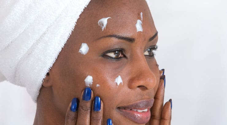 14 Best Moisturizers For Black Skin 2021 – Face & Body Creams Compared