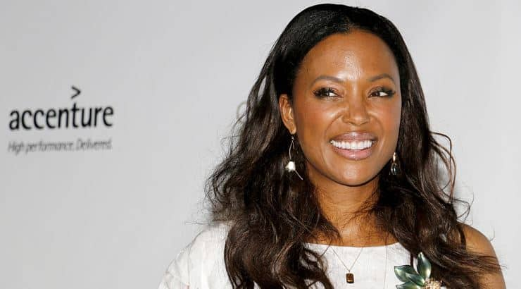 Aisha Tyler is a beautiful, black woman who attended Dartmouth College.