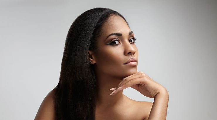There are a few tools, such as brushes and combs, that can help apply relaxers to hair.