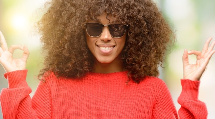 Detangling natural hair can be a long process, but it doesn't have to be difficult or frustrating.
