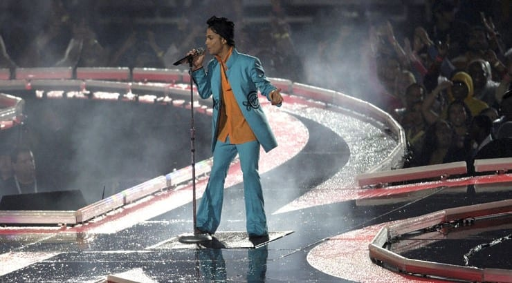 Prince is a musical icon who is known for his androgynous looks.