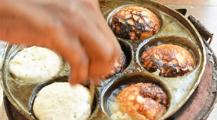 Vitumbua is a Cameroonian dessert with a crunchy exterior but soft inside.
