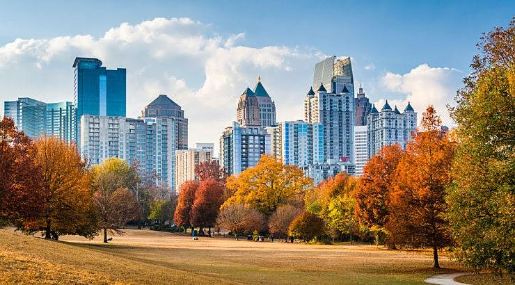 Midtown is a financial hub in Atlanta that offers tons of work and nightlife opportunities for single, young professionals.