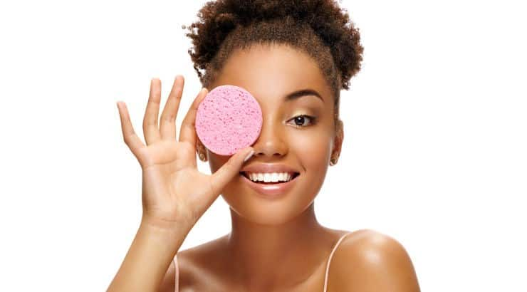 Face washes often create a lather and can dry out the face while face cleansers often include hydrating ingredients.