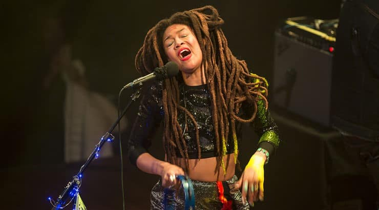 Valerie June is a country music singer who has made her park in the duo Bella Sun.