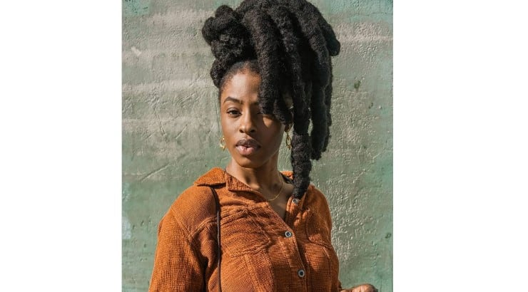 Thick dreads are seemingly not as popular as their thinner alternatives.