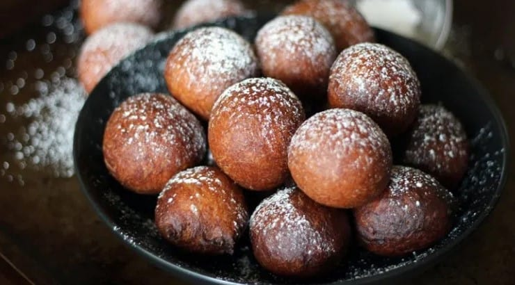 """Residents in Ghana call their form of mandazi """"boflot."""""""