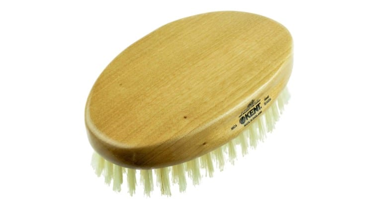 Kent Gentleman's Hair Brush can be used on any hair texture but works best on those with short hair.