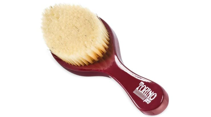 The Brush King Torino Wave Brush has a pointy design at one end which is great for brushing around the crown of the head.