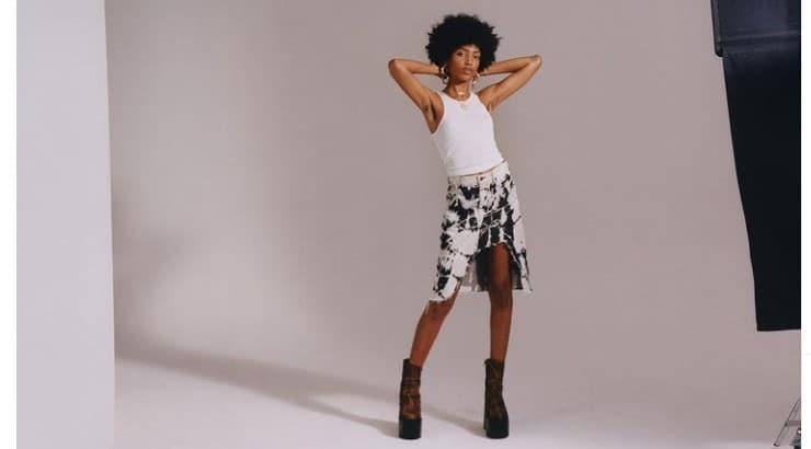(Liv).e is a Dallas-born artist whose inspiration comes from classical music, bossa nova, and jazz.