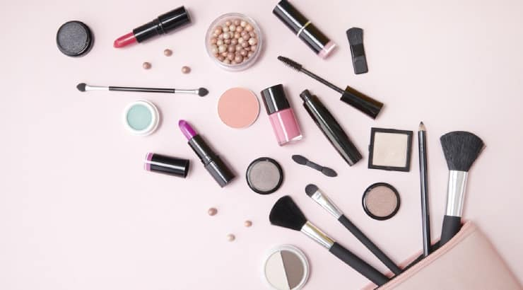 How To Choose Makeup For Dark Skin