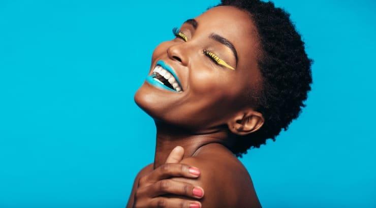 Best Makeup For Dark Skin 2021, 9 Top Options
