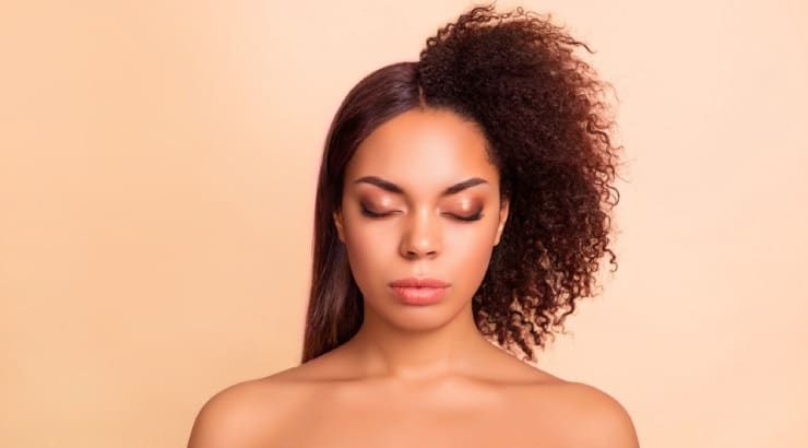 How to Straighten African American Hair, 14 Easy Steps